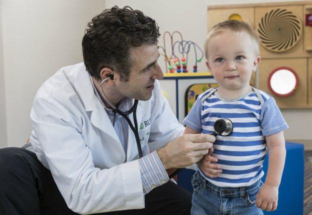 بهترین متخصص های قلب اهواز برای کودکان
