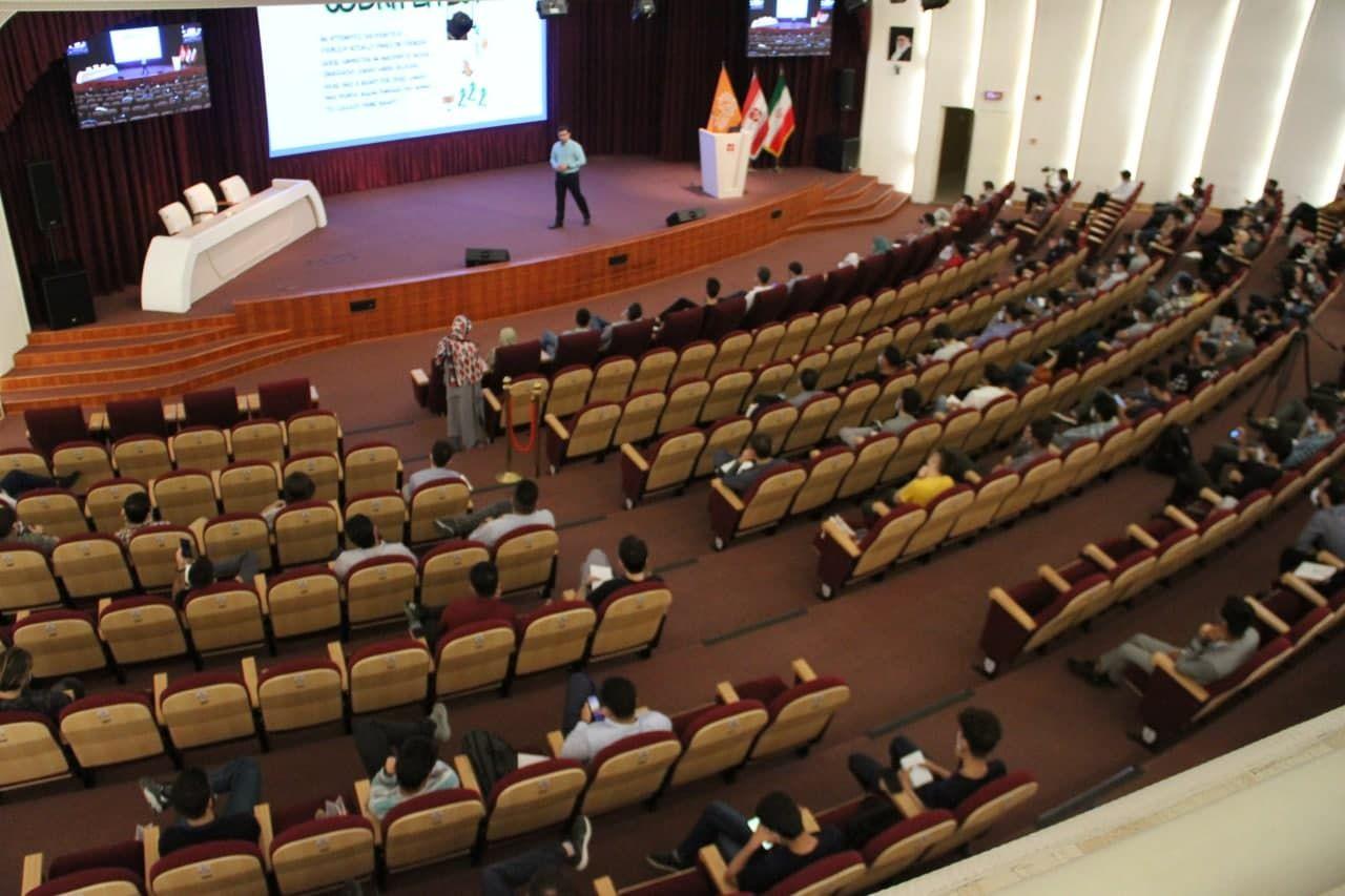 حضور برنامه نویسان php در همایش بزرگ ژاکت دی