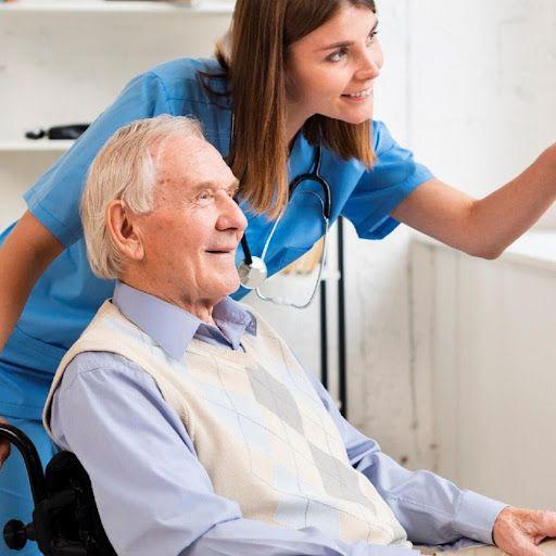 انتخاب بهترین پرستار سالمند